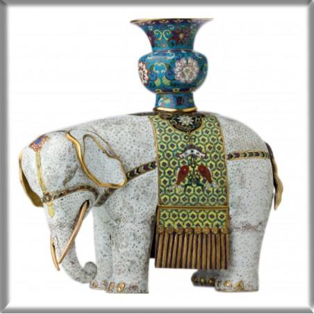 Magnes – Figura słonia z wazą na grzbiecie (kadzielnica)